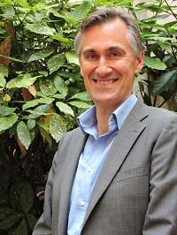 consultant en relations sociales, ancien secrétaire de CE de Sanofi