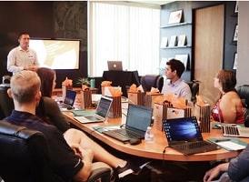 formation apprendre a communiquer aupres des salaries - groupe legrand formation CSE-min