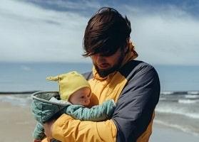 Allongement du congé paternité. Un changement long et progressif dans les entreprises